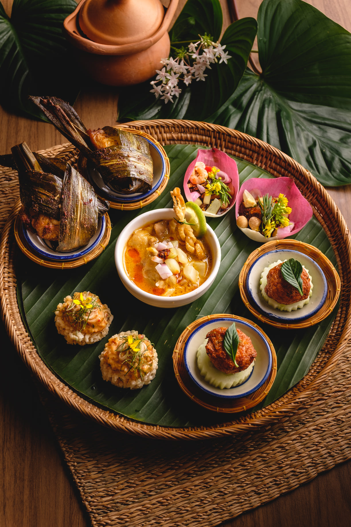 Order Food Online From The Local By Oamthong Thai Cuisine